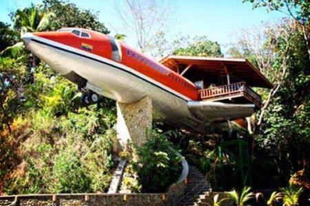Hotel 727 Fuselaje, un avión en la jungla de Costa Rica