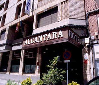 Hotel Husa Alcántara, alojamiento céntrico en Cáceres