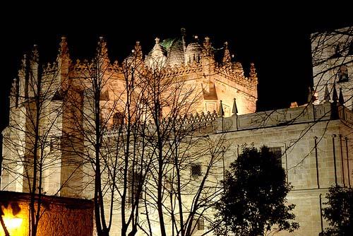 Catedral de Zamora por la noche
