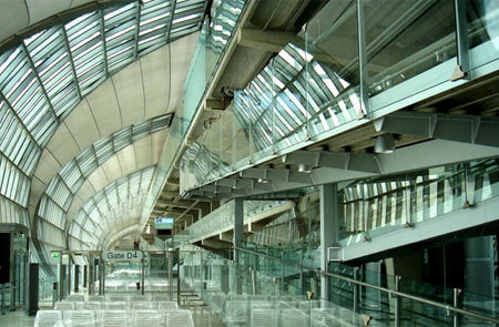 El aeropuerto Suvarnabhumi, en Bangkok, Tailandia