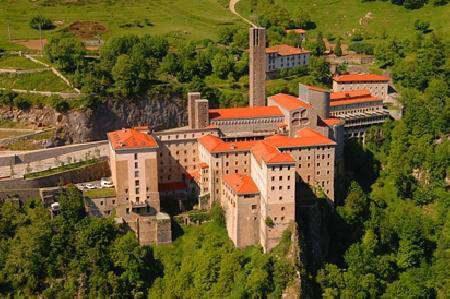Hotel Santuario de Arantzazu, viaje romántico a Guipúzcoa